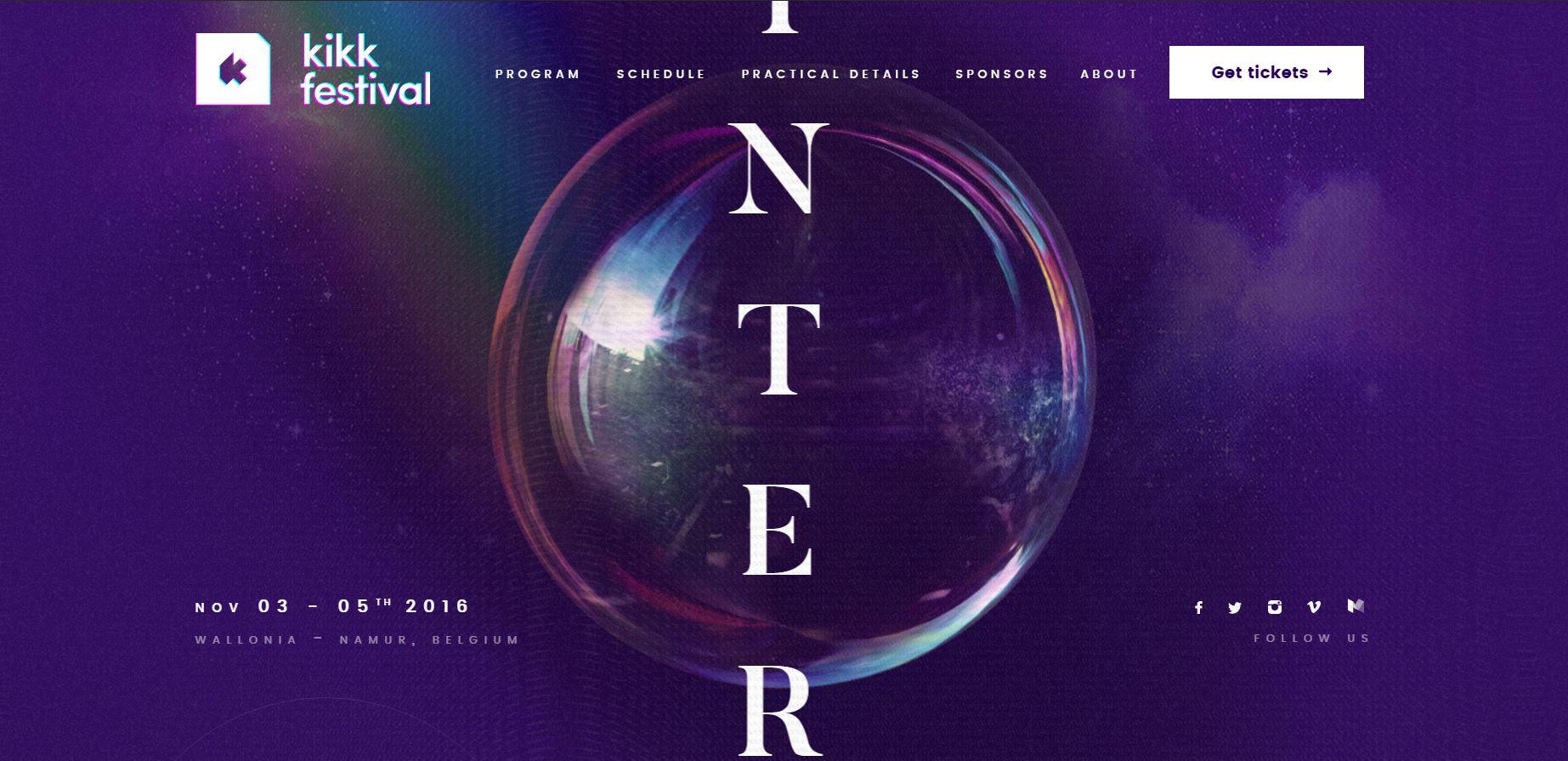 Пузырь на фиолетовом фоне